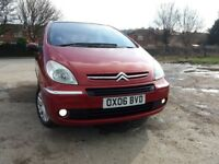 CITROEN XSARA PICASSO 1.6 HDI DESIRE (met Red) Excellent to perfect drive, Very clean inside & out