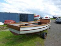 17' Fibre Glass Boat