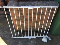 Extending Lindam Baby Gate To Drill Into Wall