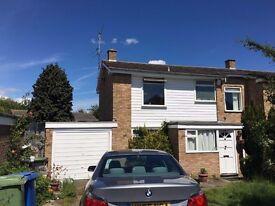 Semi-Detached house to let 3Bedroom Faversham Unfurnished £1000 pcm Garage Gardens GFCH from 28.6.17