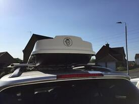 Car roof box (Now sold)