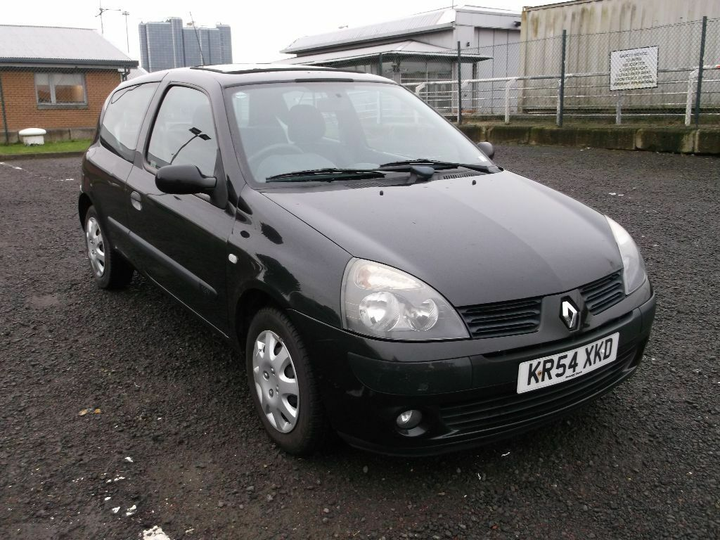 renault clio extreme 3 2004 16v 1 2 black 3 door 2 owners full years mot some history drives. Black Bedroom Furniture Sets. Home Design Ideas