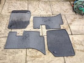 RANGE ROVER GENUINE HEAVY DUTY RUBBER MATS