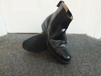 GENTS BLACK leather chelsea boots size 8,£10.