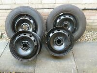 VAUXHALL VIVARO STEEL WHEELS X4 AND TWO NEW TYRES 2125/65/R16C