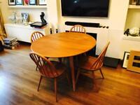 Vintage 1950's solid wood dining table witch 4 chairs