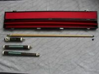 4 PIECE SNOOKER CUE WITH TWO NEW TIPS, NEW CHALK AND CARRYING CASE
