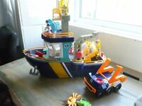Fisher Price IMAGINEXT Boat with Submarine and Figures