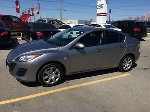 2010 Mazda MAZDA3 GX, Drives Great Very Clean Great On Gas !!!!! London Ontario image 2