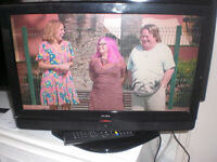 19in freeview television, has HDMI port, can deliver local