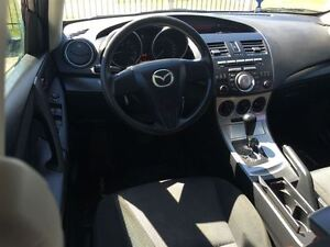 2010 Mazda MAZDA3 GX, Drives Great Very Clean Great On Gas !!!!! London Ontario image 13
