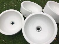 x4 White around 40cm wash basin w/ fossets