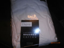 Catherine Lansfield Cream Superkingsize brushed cotton fitted sheet