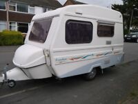 FREEDOM SUNSEEKER CLUB CLASS 3-4 BERTH CARAVAN- LOVELY CONDITION WITH EXTRAS