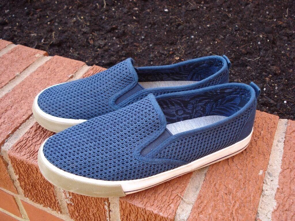 Blue Flipback Shoes | size 6