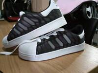 Adidas superstar chameleon size 7.5