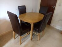 Small Solid Oak Extendable Dining Room Table and 4 Leather Chairs Set Delivery Available C090020