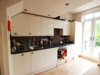 A large 3 bed 2 bath flat with a roof terrace and garden minutes from Finsbury Park Station