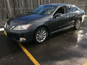2011 Lexus ES 350 Automatic, Sunroof, Heated Seats