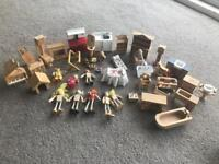 Assorted dolls house furniture