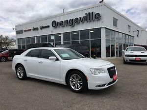 2016 Chrysler 300 TOURING, NAV, SUNROOF, REMOTE