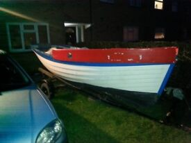 *15ft* Rigged fiberglass boat w trailer. Has space for engine/good for project. £200 open to offers.