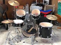 Full size 8 piece drum kit