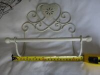 Shabby Chic Heart French Vintage Cream Wall Mounted Toilet Roll Holder