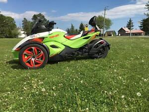 2015 Can-Am Spyder® RS-S Special Series - SE5 London Ontario image 1