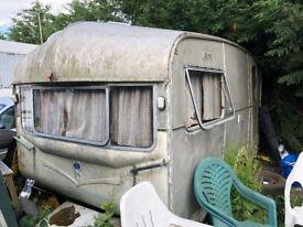 Vintage Castleton Caravan restoration project