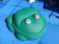Step2 Frog sand pit / paddling pool