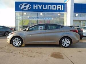 2014 Hyundai Elantra GL ONLY $115* Bi-weekly TONS OF WARRANTY