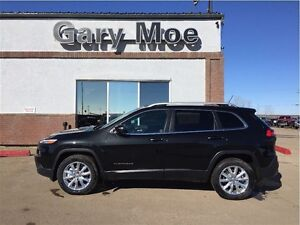 2015 Jeep Cherokee Limited 4x4 **Park Assist**