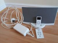 Bose white sounddock including iPod 4gb and remote control