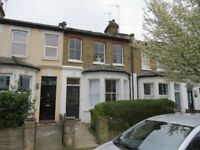 Manor Park Road East Finchley two room let