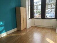 3/4 BED FLAT - STUDENT ACCOMMODATION - CALLING SHARERS ON A BUDGET!!!
