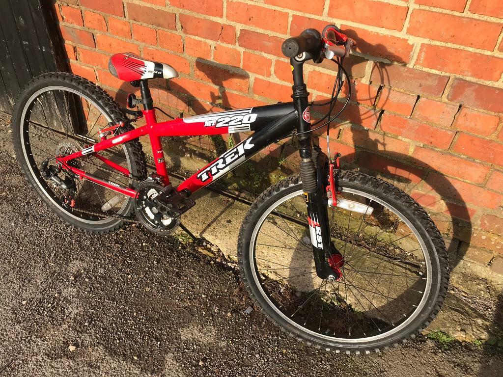 """e53be134455 Trek MT220 Kids 24"""" Wheel Mountain Bike. Serviced. Great Condition Free  Lock, Lights, Delivery"""
