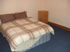 LARGE MASTER ROOM FURNISHED OFF ROUNDHAY ROAD, ALL BILLS INC NEAR LS8 ST JAMES HOSPITAL ONLY £60P/W