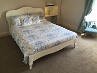 Double bedroom £43 pounds/night! - Short-Term or Festival Let in this amazing two bedroom flat.