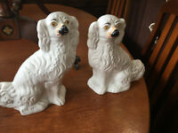 Adorable Pair Of Vintage Staffordshire Pottery King Charles Spaniel Wally Dogs