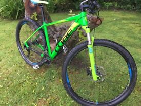 2014 Hard tail CUBE Limited PRO 29er MTB - Kiwi Green (Frame replaced by CUBE in July 2016)