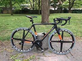 Raleigh Criterium Full Carbon Road Bike