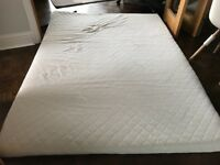 King Size Memory Foam Mattress Topper Excellent Used Condition with Cover