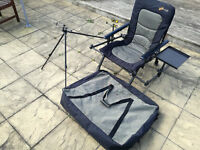 Cyprinus Whole Hog fishing chair with accessories, bag