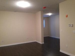 Luxury 1+Den - 1241 Sq.Ft!  In-suite laundry, 9 ft. ceilings Kitchener / Waterloo Kitchener Area image 10