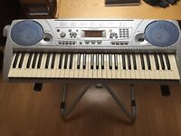 Yamaha PSR 275 keyboard for sale.