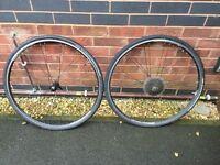 Road bike wheelset