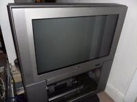 Sony 32 inch CRT tv with stand Model KV-32FX60B