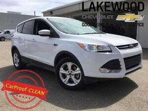2016 Ford Escape SE 4x4 (Back Up Cam, Bluetooth)