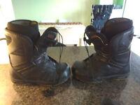 VAN Snowboard Boots (Boa) 10/11 (see description)